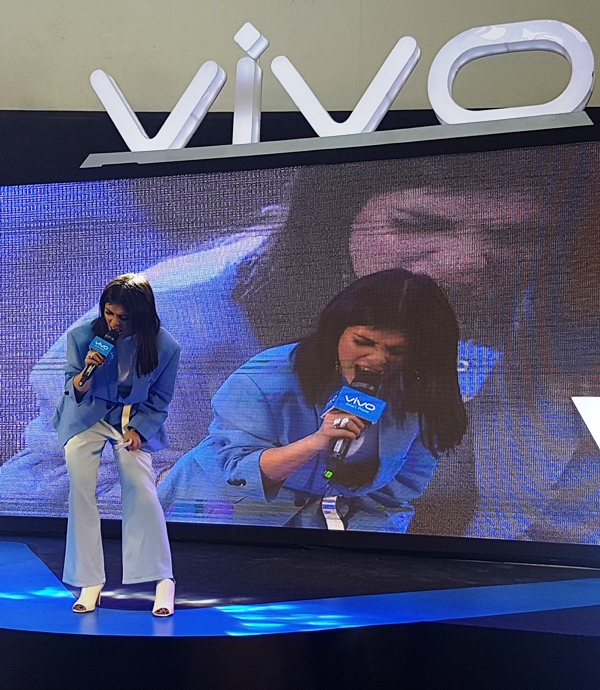 VIVO V9 Mall Tour with KZ Tandingan and TJ Monterde
